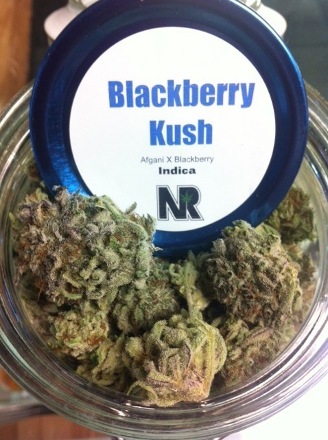 blackberry-kush-indica-weed