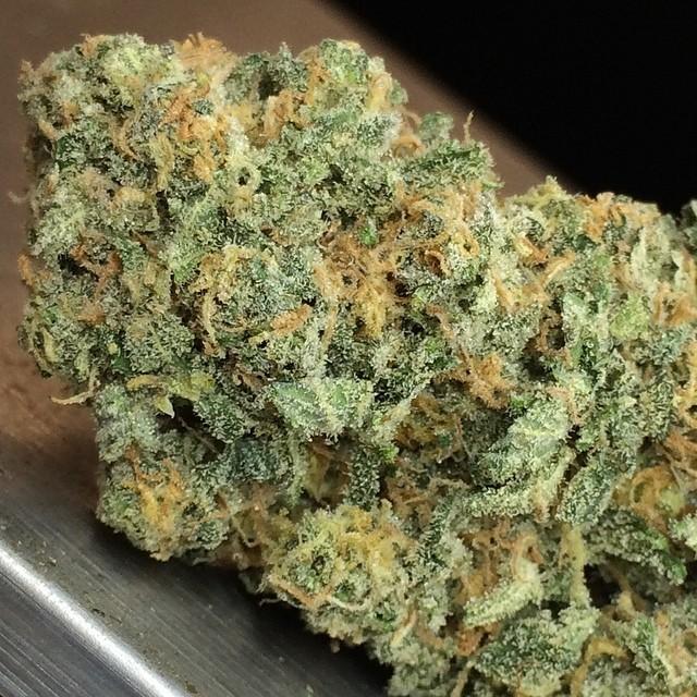 afwreck-hybrid-weed-5
