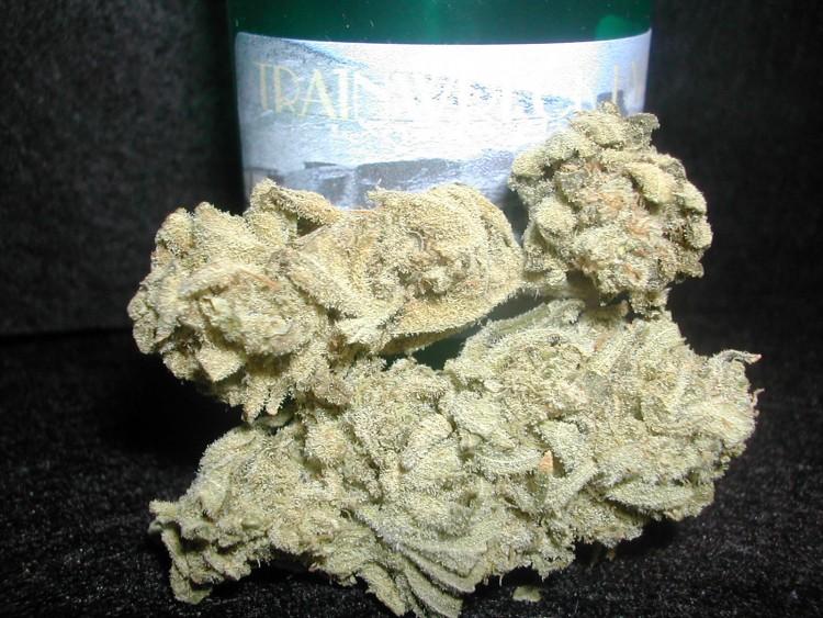 trainwreck-weed-1