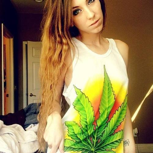cute-stoner-girls
