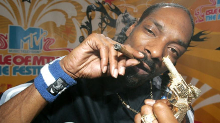 snoop-dogg-smoking-weed-in-the-white-house