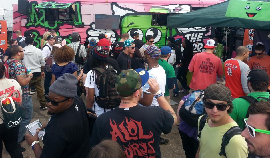 food-truck-geetting-people-stoned