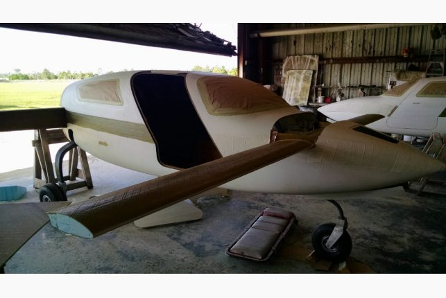 hemp-airplane-in-the-works