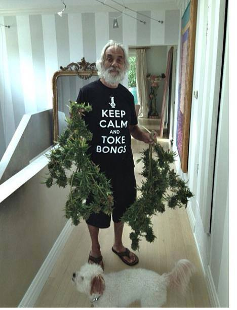 keep-calm-toke-bongs-tommy-chong