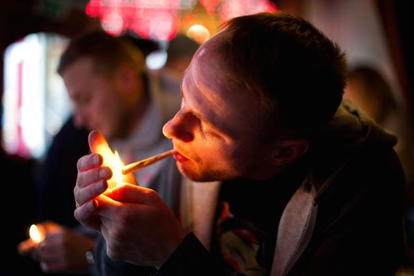 cannabis-users-smoke-inside-bar