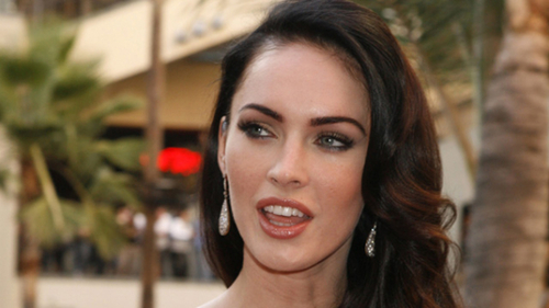 megan-fox-smokes-weed