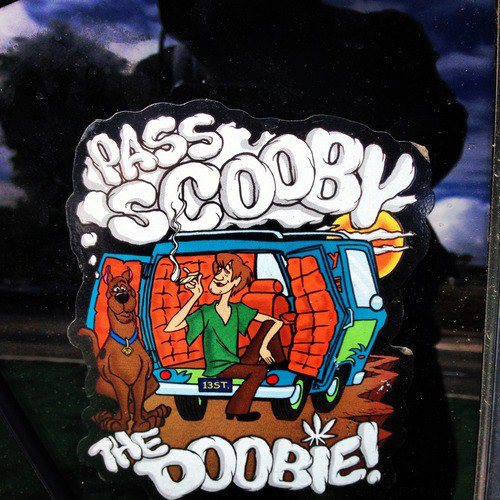 pass-scooby-his-treat