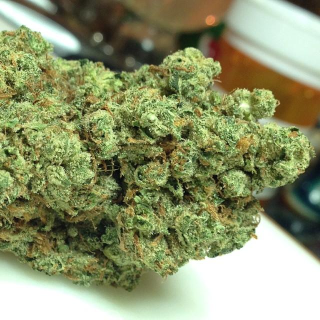 saturn-og-weed