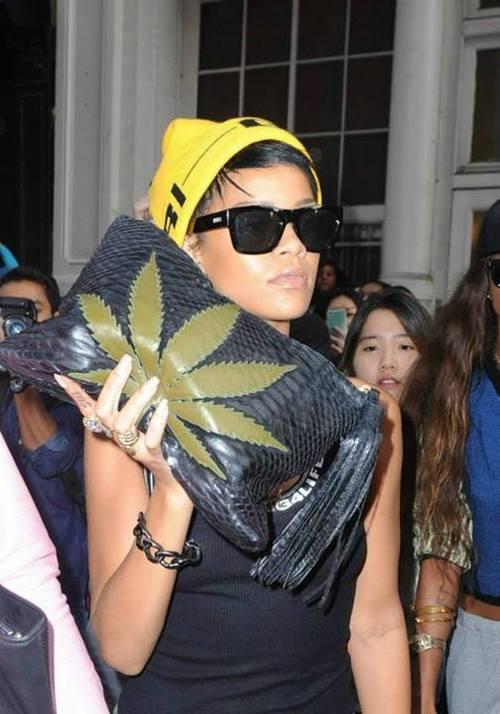 cannabis-lover-riri