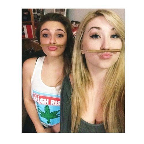 blunt-stache-stoners