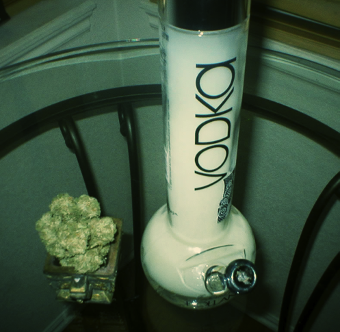 weed bong how to use