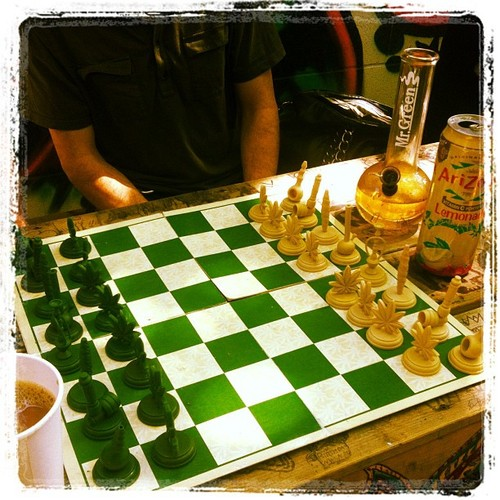 weed-chess-game