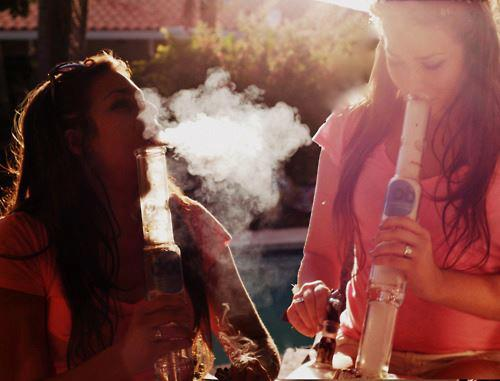 smoking-promotes-peace-and-fun-goodliving