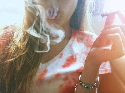 women-smoking-weed