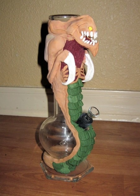 alien-bong-water-pipe
